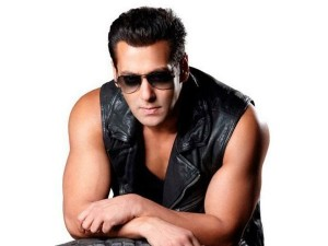 13oct Salman SurajBarjatya 300x225 Suraj Barjatyas next with Salman to have two heroines?
