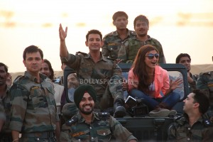 13oct Sharman Soha WCNY 300x200 Sharman and Jaaved greeted with War Chhod Na Yaar dialogues