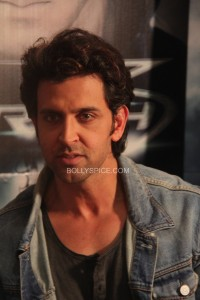 hrithikkrrish3pc1 e1382138303455 200x300 Hrithik Roshan pushed to play the villain in Krrish 3