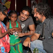 13nov AmoleSaqib DabbaScreening06 185x185 Amole Gupte and Saqib at a Special screening of 'Stanley Ka Dabba'