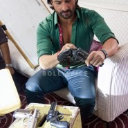 13nov BullettRaja BTS14 185x185 Bullett Raja: More from Saif Ali Khan plus Behind the Scenes and Movie Stills