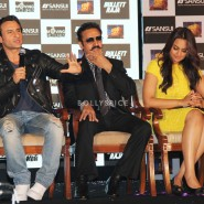 13nov GulshanGrover BullettRaja07 185x185 In Pictures: Cast of Bullett Raja at a Special Event and Press Meet!