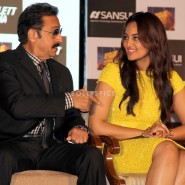 13nov GulshanGrover BullettRaja08 185x185 In Pictures: Cast of Bullett Raja at a Special Event and Press Meet!