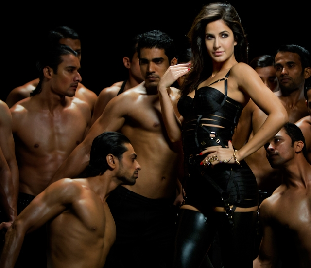 13nov Katrina Dhoom3outfits01 Dhoom 3: Katrinas style breakdown