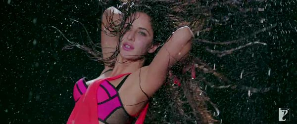 13nov Katrina Dhoom3outfits03 Dhoom 3: Katrinas style breakdown