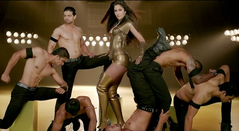 13nov Katrina Dhoom3outfits05 Dhoom 3: Katrinas style breakdown