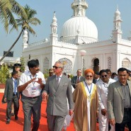 13nov PrinceCharlesCamillaIndia40 185x185 Prince Charles and the Duchess of Cornwall's Trip to India has more than one message