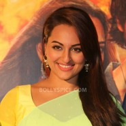 13nov RRajkumar KadduTrailer2 05 185x185 Sonakshi, Prabhu Deva, Sonu Sood launch Kaddu Katega song and R…Rajkumar 2nd trailer