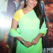 13nov RRajkumar KadduTrailer2 13 185x185 Sonakshi, Prabhu Deva, Sonu Sood launch Kaddu Katega song and R…Rajkumar 2nd trailer