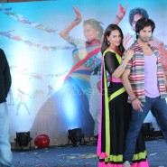 13nov RRajkumar MusicLaunch31 185x185 Shahid and Sonakshi launch R…Rajkumar's music