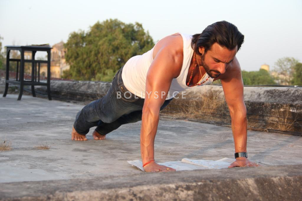 13nov SaifGym BullettRaja02 Saif Ali Khan turns Lucknow roads into gymkhana