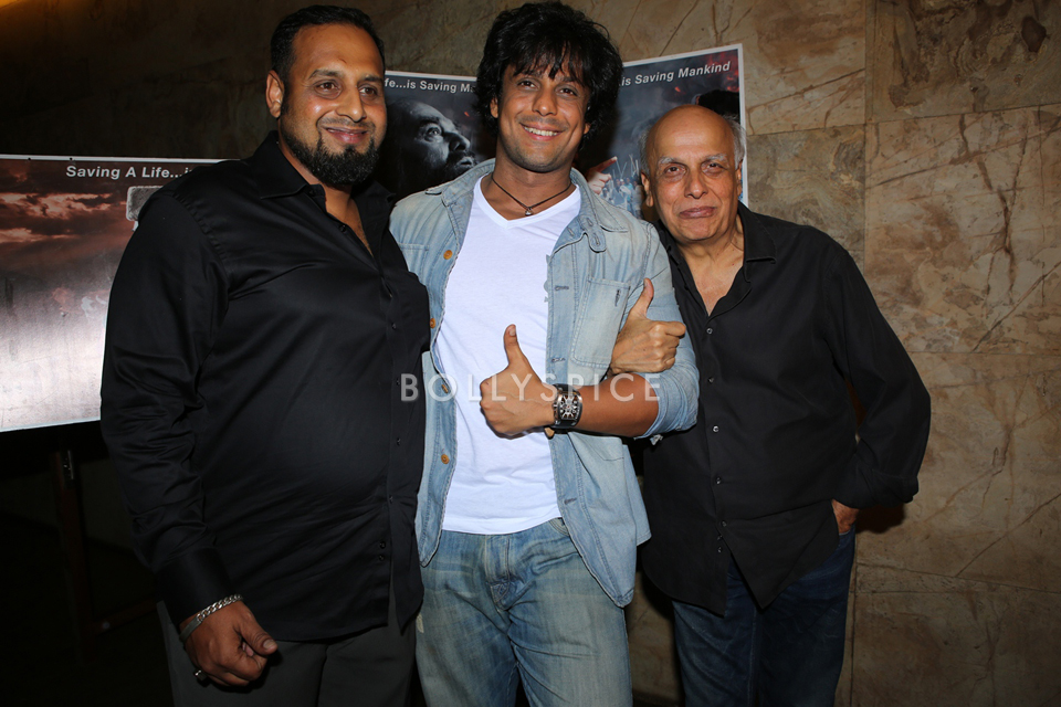 13nov YaRab MaheshBhatt01 Mahesh Bhatt makes a special appearance at Ya Rab screening