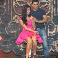 13nov dhoom3launch 26 185x185 Aamir and Katrina launch Dhoom 3 title song