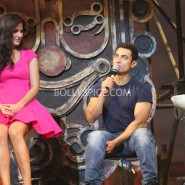 13nov dhoom3launch 30 185x185 Aamir and Katrina launch Dhoom 3 title song