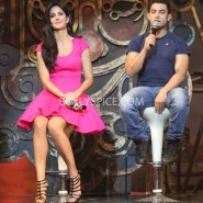 13nov dhoom3launch 42 185x185 Aamir and Katrina launch Dhoom 3 title song