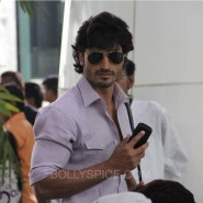 bullettrajabts5 185x185 Bullett Raja: More from Saif Ali Khan plus Behind the Scenes and Movie Stills