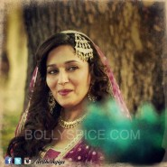 dedhishqiya11 185x185 Dedh Ishqiya trailer Hits over 1 million views YouTube