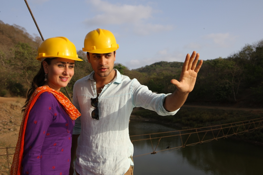 naina compressed 3 Imran romances Kareena in the new song Naina   Gori Tere Pyaar Mein