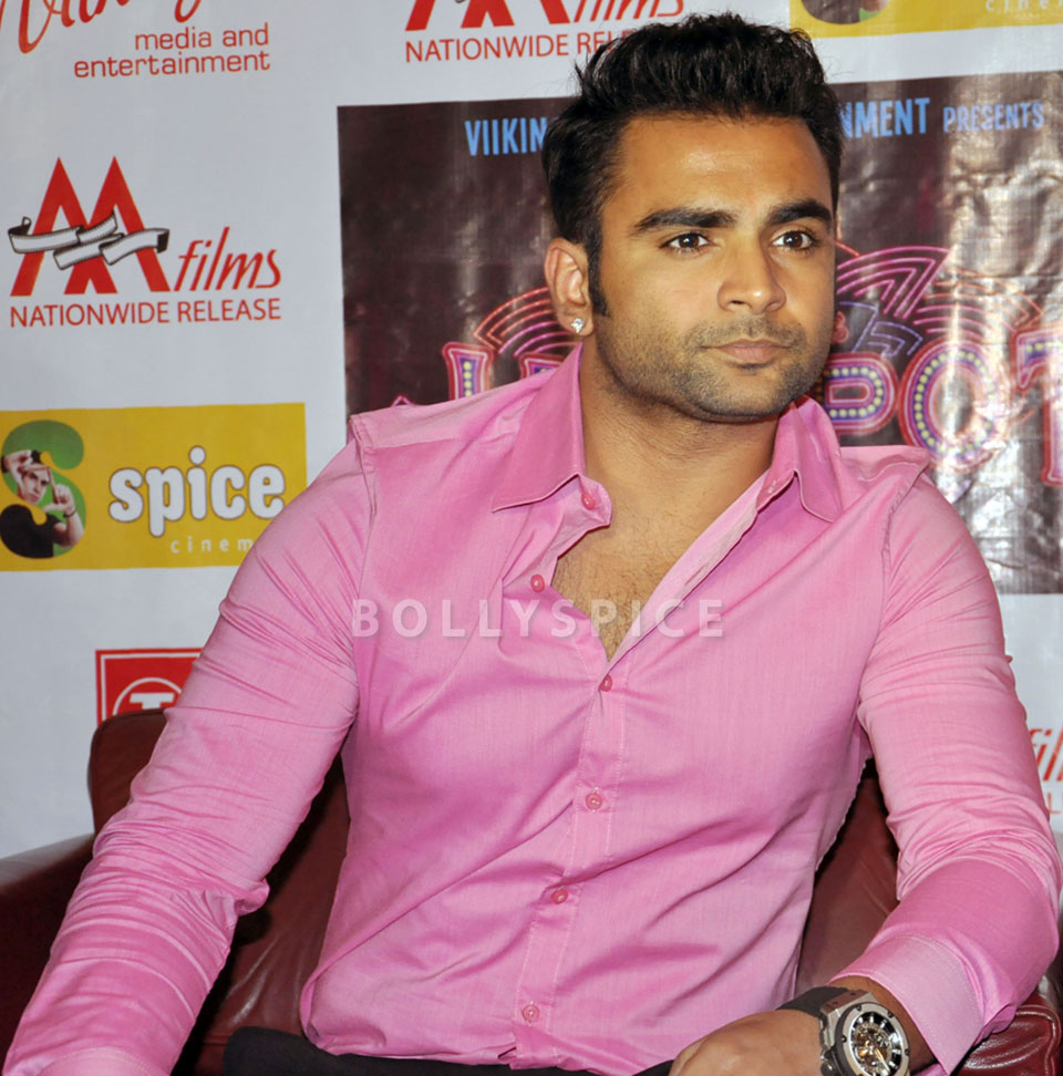 13dec JackpotPressConf04 Jackpot press conference held at Spice World Mall Noida