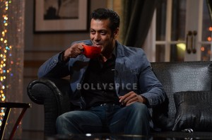 13dec SalmanKWK01 300x198 Koffee With Karan Season 4: With Bollywood's 'Bhai' Salman!