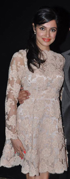 13dec WHWN DeepikaSucess16 Whos Hot Whos Not: Deepika Padukones success bash