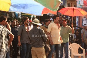 13nov BullettRaja LucknowShoot 300x200 Saif Ali Khan brings Lucknow to a standstill while shooting for Bullett Raja