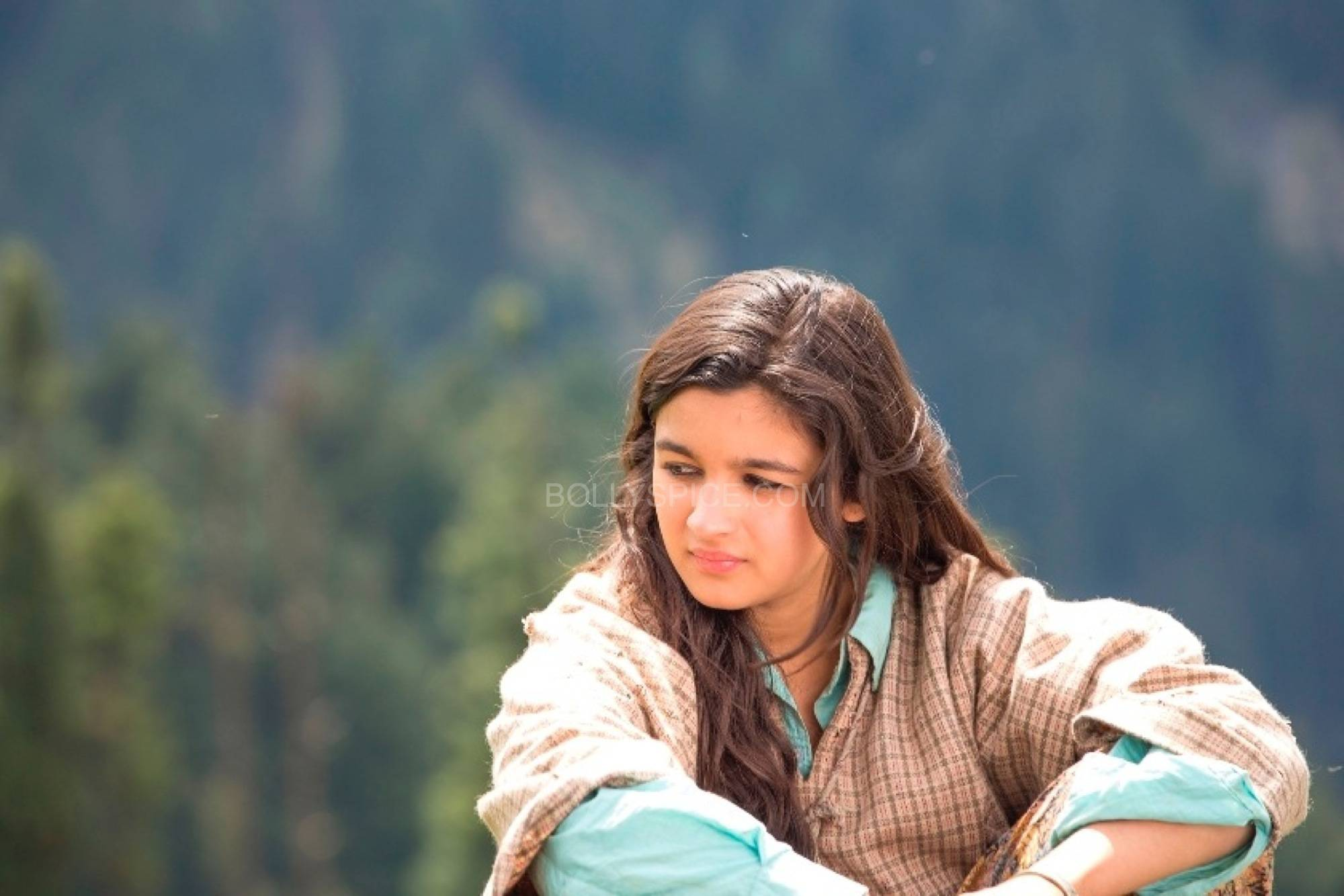 Alia Bhatt Shooting for Highway at Aru Valley Kashmir 2 Highway Diaries: Songs of the Kashmir valley echo in Highway