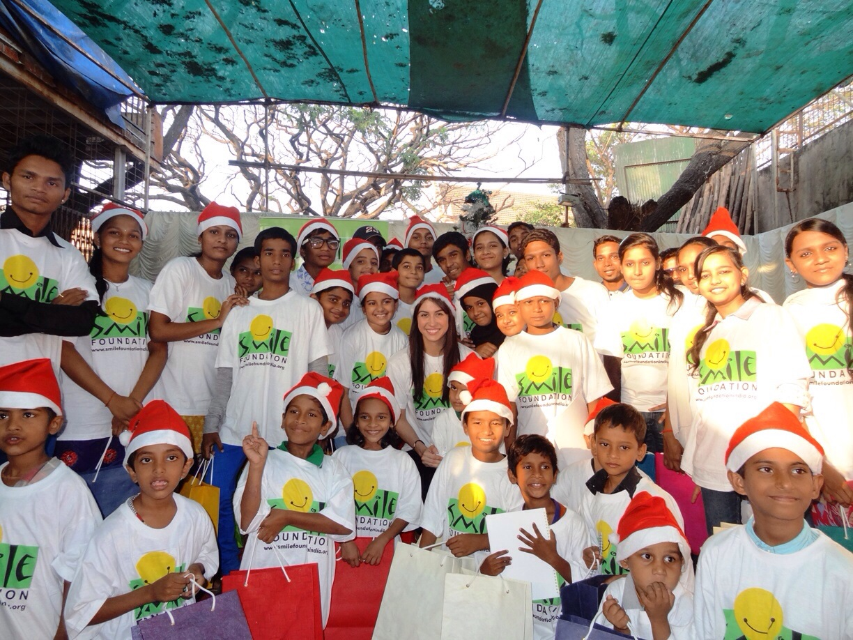 image7 When Lauren Gottlieb played Santa to bring Smiles for Children