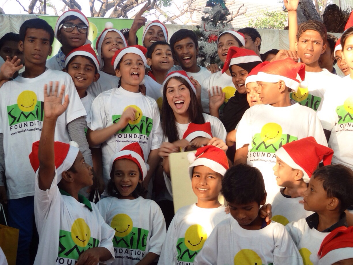 image8 When Lauren Gottlieb played Santa to bring Smiles for Children