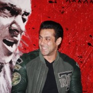salmankhanjaiholuanch9 185x185 Jai Ho Theatrical Trailer plus photos and video from the cool launch event!