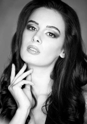 14jan EvelynSharma04 Evelyn Sharma talks Bollywood, YJHD,  Yaariyan and more in this exclusive interview!
