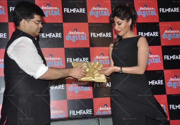 14jan FilmfareCalendar Chitrangada01 612x427 Chitrangada Singh launches Reliance Digital Filmfare calendar