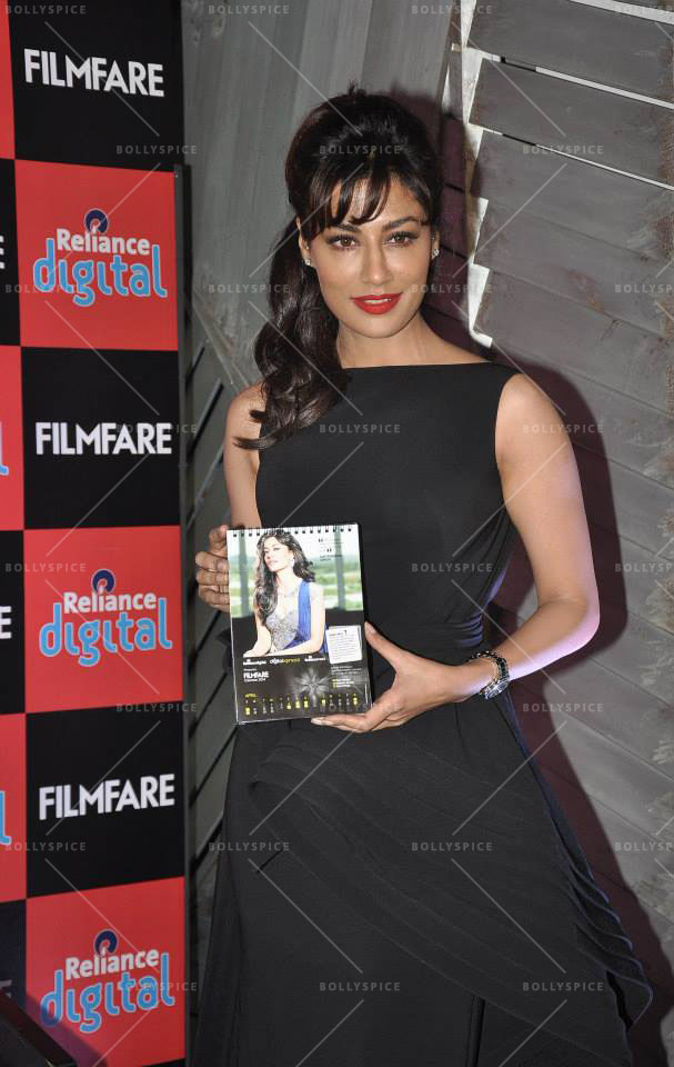 14jan FilmfareCalendar Chitrangada03 Chitrangada Singh launches Reliance Digital Filmfare calendar