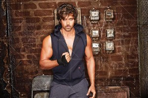 14jan HRX40 300x199 Hrithik wows at Google Hangout talking about his clothing brand HRX