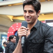 14jan HTP MnG67 185x185 Sidharth and Parineeti at Hasee Toh Phasee Meet and Greet