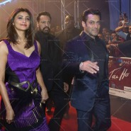 14jan JaiHoDubai10 185x185 IN PICTURES: Salman Khan and Daisy Shah at Jai Ho premiere in Dubai
