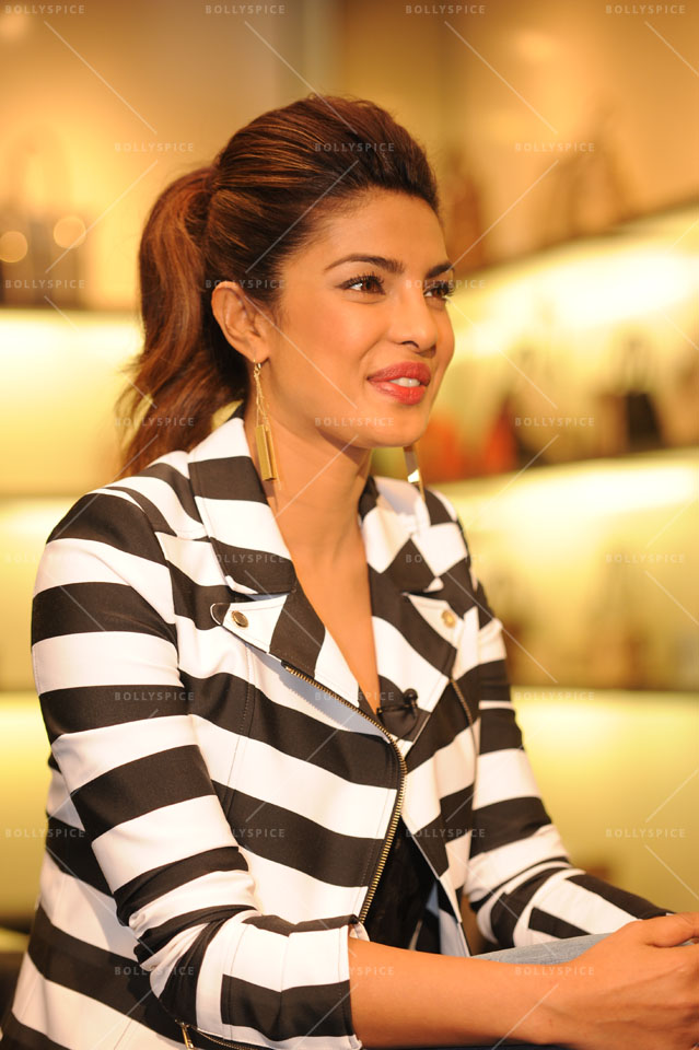 14jan PriyankaGUESS01 Priyanka Chopra meets fans at a GUESS store in London