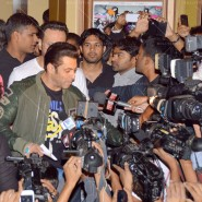 14jan TeamJaiHo Sholay3D17 185x185 IN PICTURES: Team Jai Ho watch Sholay 3D at PVR, Juhu