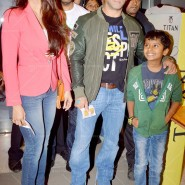 14jan TeamJaiHo Sholay3D23 185x185 IN PICTURES: Team Jai Ho watch Sholay 3D at PVR, Juhu