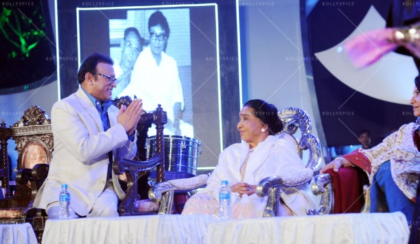 14jan UtsavKolkata01 612x356 Asha Bhosle, Annu Kapoor & Sharmila Tagore had given tribute to R.D.Burman in Kolkata