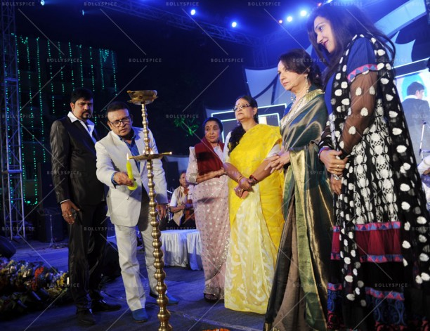 14jan UtsavKolkata04 612x471 Asha Bhosle, Annu Kapoor & Sharmila Tagore had given tribute to R.D.Burman in Kolkata