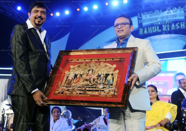 14jan UtsavKolkata05 612x430 Asha Bhosle, Annu Kapoor & Sharmila Tagore had given tribute to R.D.Burman in Kolkata
