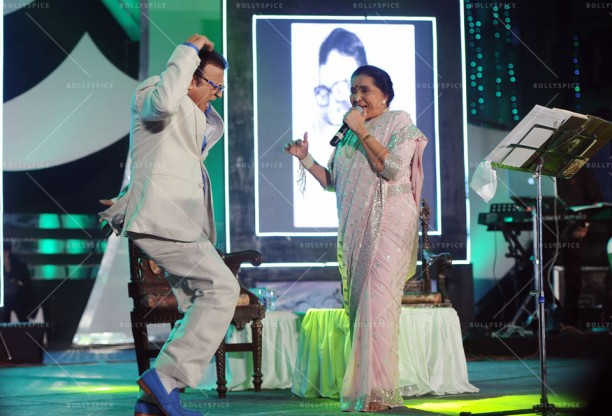 14jan UtsavKolkata08 612x416 Asha Bhosle, Annu Kapoor & Sharmila Tagore had given tribute to R.D.Burman in Kolkata