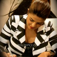 14jan pc guess 10 185x185 Special Report: Priyanka Chopra launches new single in London