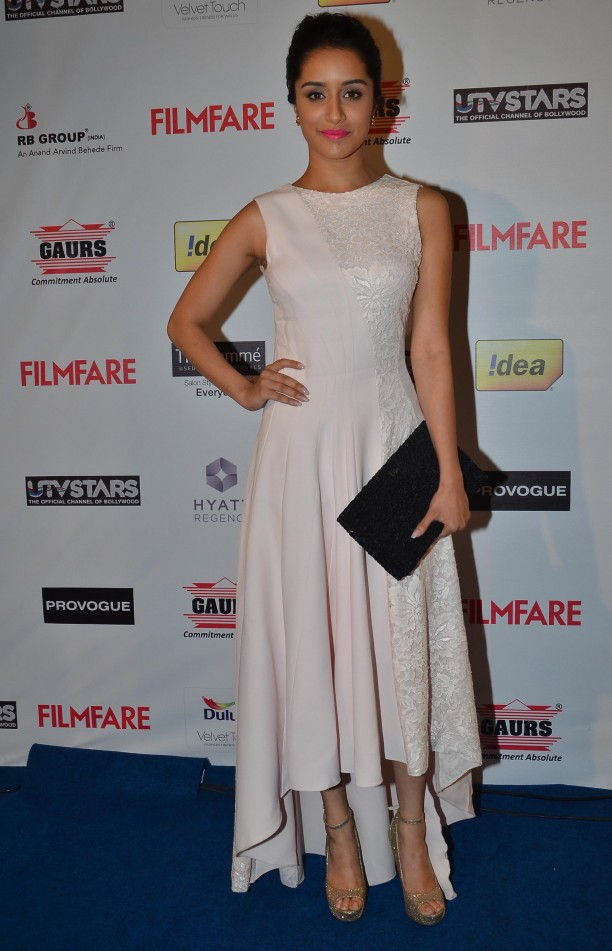 14jan whwn filmfarepreawards16 612x951 Whos Hot Whos Not: Filmfare Pre Awards Party