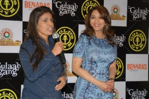 14feb AltheaShah GoldsGym MadhuriDixit01 300x200 Madhuri Dixit gives tips to women on getting fit and strong