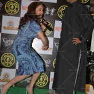14feb AltheaShah GoldsGym MadhuriDixit06 185x185 Madhuri Dixit gives tips to women on getting fit and strong
