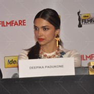 14feb FilmfareCoverDeepikaFarhan20 185x185 Special Report: Farhan Akhtar and Deepika Padukone unveil the special Filmfare issue