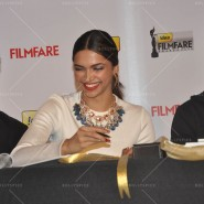 14feb FilmfareCoverDeepikaFarhan26 185x185 Special Report: Farhan Akhtar and Deepika Padukone unveil the special Filmfare issue