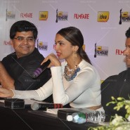 14feb FilmfareCoverDeepikaFarhan31 185x185 Special Report: Farhan Akhtar and Deepika Padukone unveil the special Filmfare issue